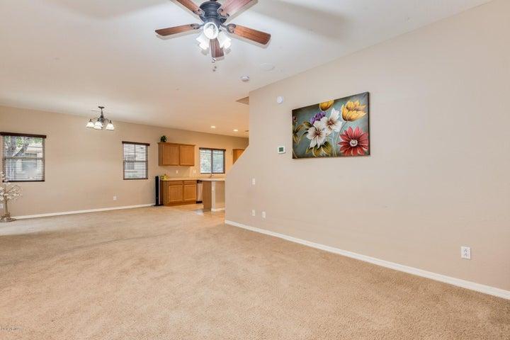 2136 W MONTE CRISTO Avenue, Phoenix, AZ 85023