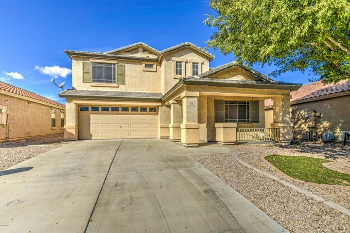916 E Palomino Way, San Tan Valley, AZ 85143
