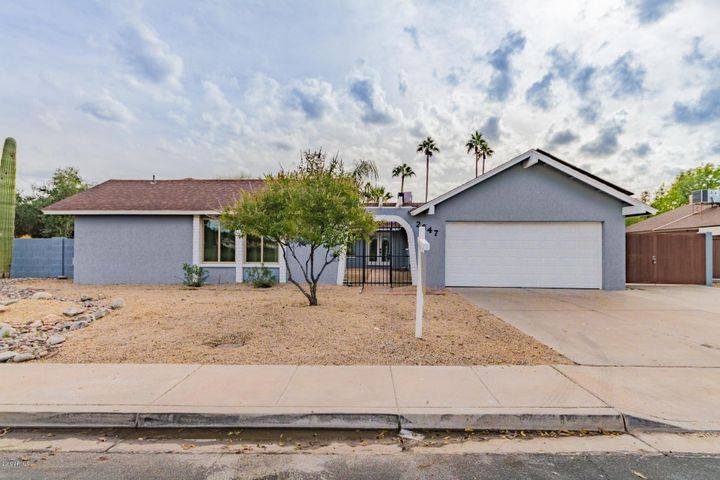 2647 S Stewart, Mesa, AZ 85202