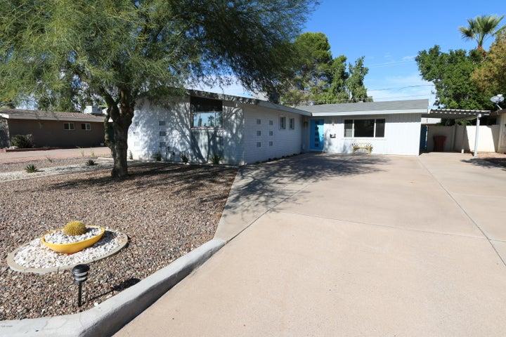 6914 E EARLL Drive, Scottsdale, AZ 85251