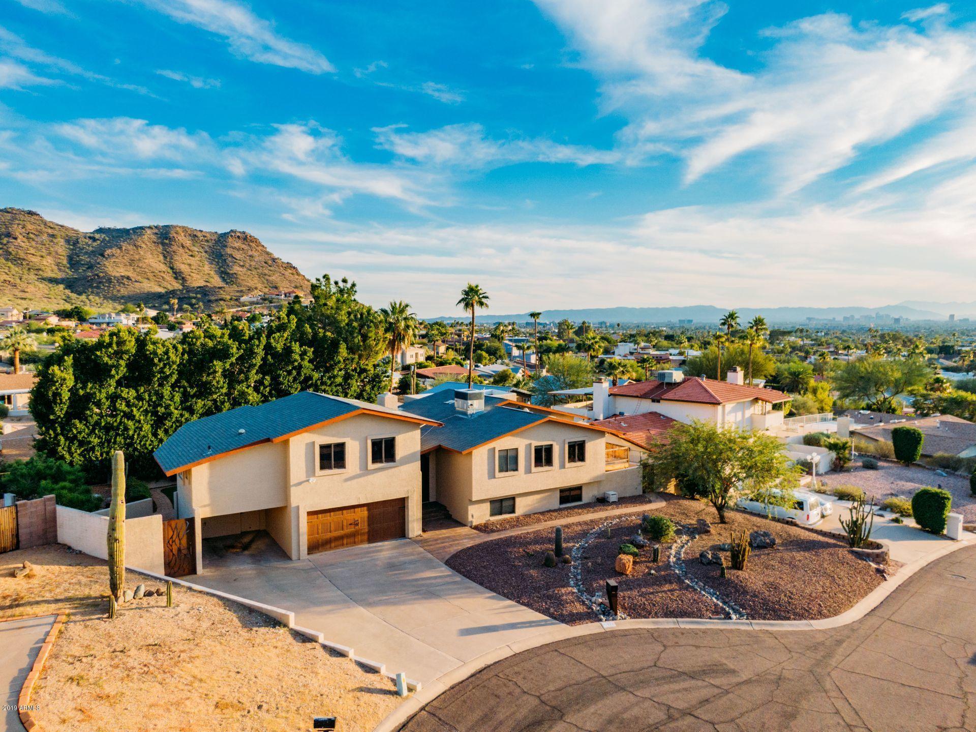 2221 E VISTA Avenue, Phoenix, AZ 85020