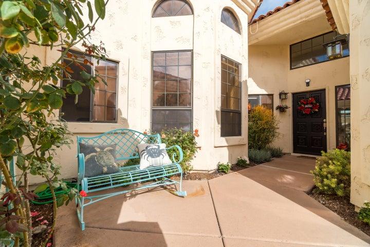 1700 E LAKESIDE Drive, Gilbert, AZ 85234