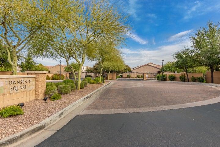 7004 W MERCER Lane, Peoria, AZ 85345