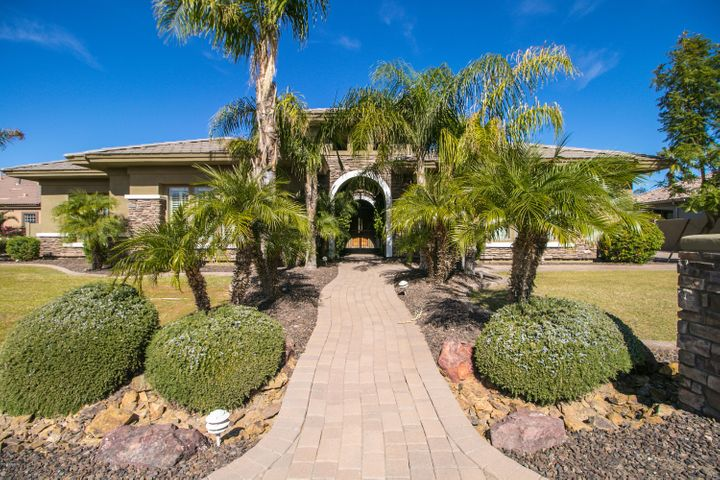 17934 W MONTEBELLO Avenue, Litchfield Park, AZ 85340