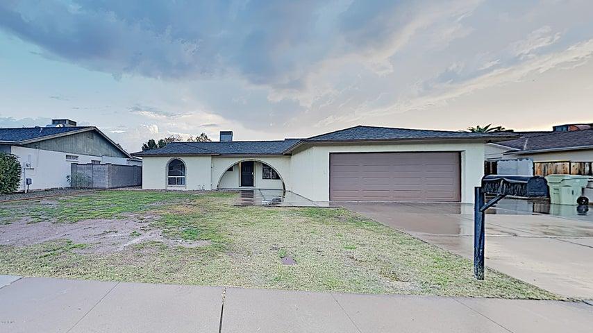 5015 W MERCER Lane, Glendale, AZ 85304