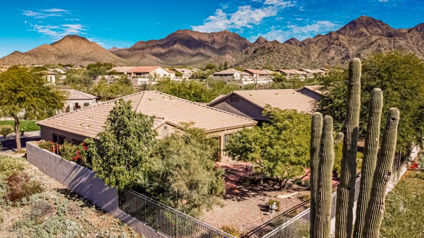 10759 E Autumn Sage Drive, Scottsdale, AZ 85255