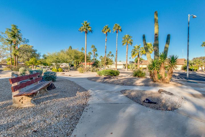 17613 N 105TH Avenue, Sun City, AZ 85373