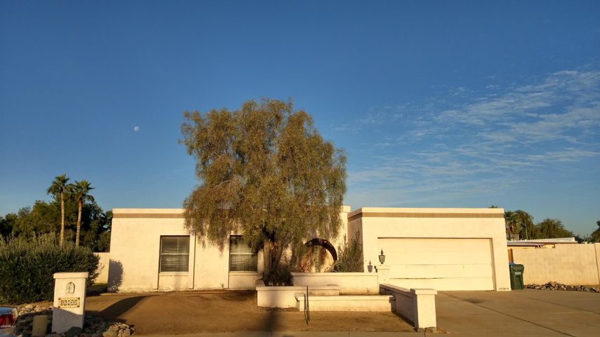16432 N 45TH Drive, Glendale, AZ 85306