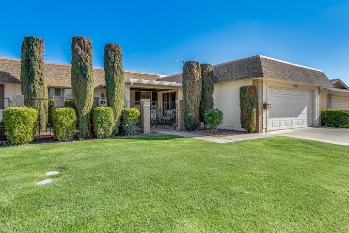 10622 W ROUNDELAY Circle, Sun City, AZ 85351