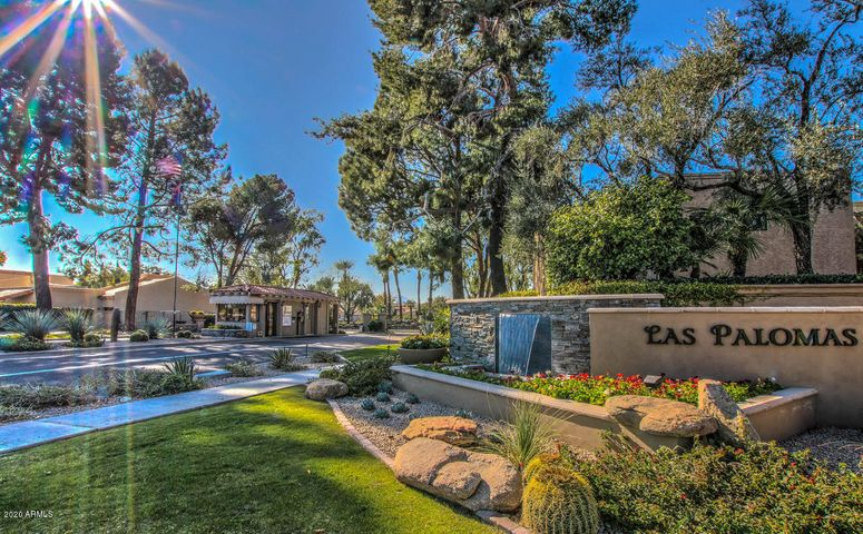 Welcome to the Gated Community of Las Palomas, conveniently located in the heart of McCormick Ranch and just a few blocks from dining & shopping at Via de Ventura & Hayden Roads.