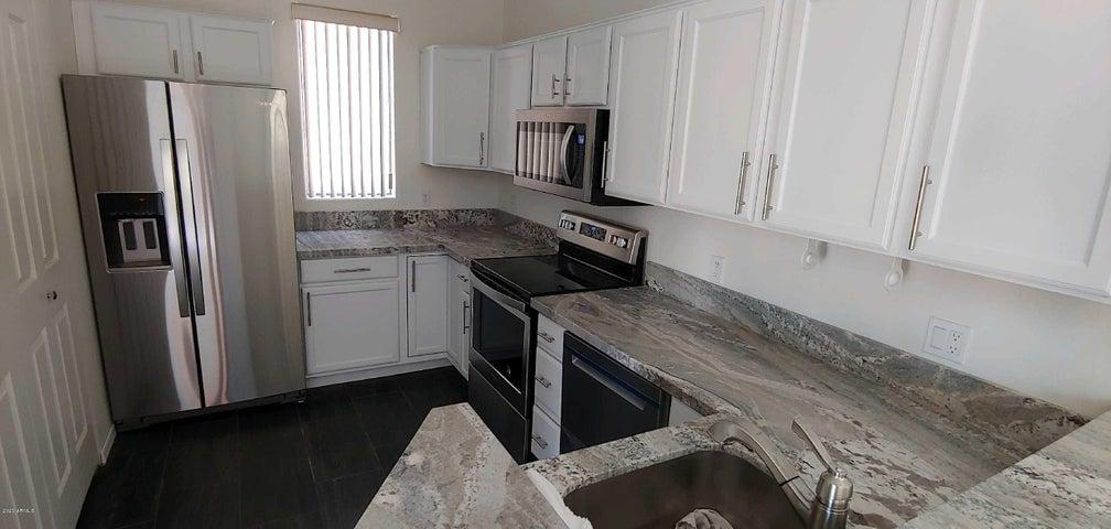 16400 E ARROW Drive, 301, Fountain Hills, AZ 85268