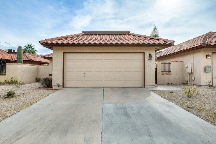 5219 E HALF MOON Drive, Phoenix, AZ 85044
