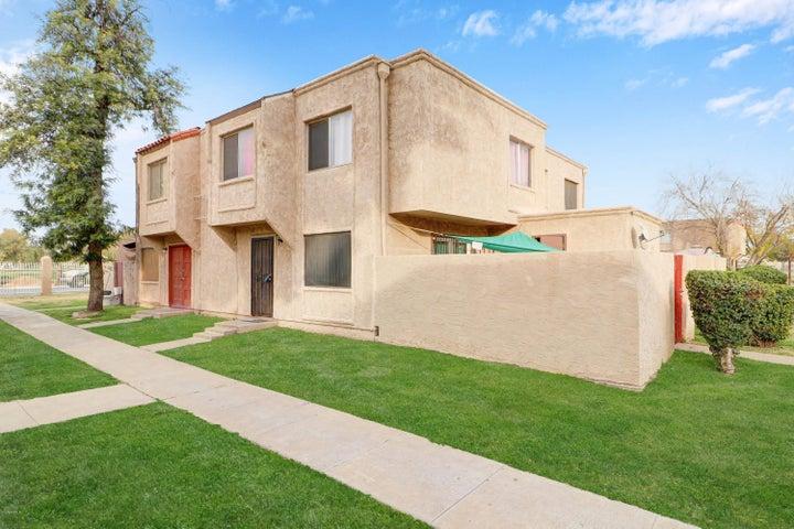4262 N 67 Drive, Phoenix, AZ 85033