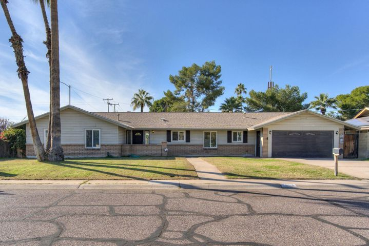 7004 N 12TH Way, Phoenix, AZ 85020
