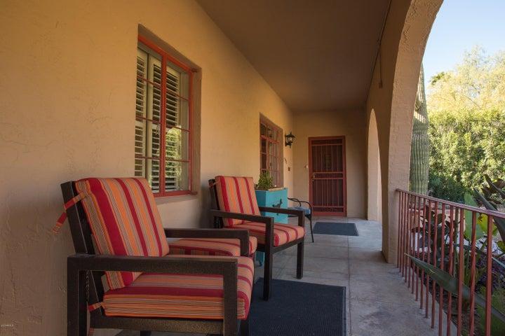 1525 W VERNON Avenue, Phoenix, AZ 85007