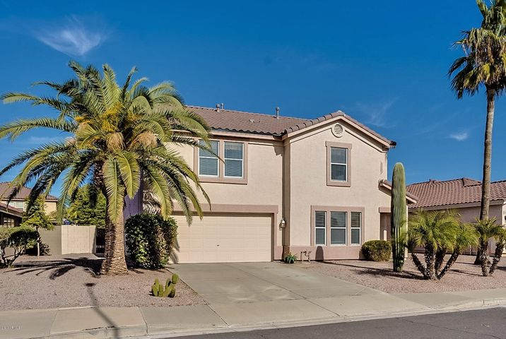 Over 3,000 square foot home in the desirable Boulder Creek subdivision.