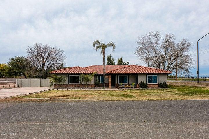 2392 E CLAXTON Street, Gilbert, AZ 85297