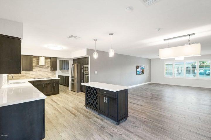 8750 E SANDALWOOD Drive, Scottsdale, AZ 85250