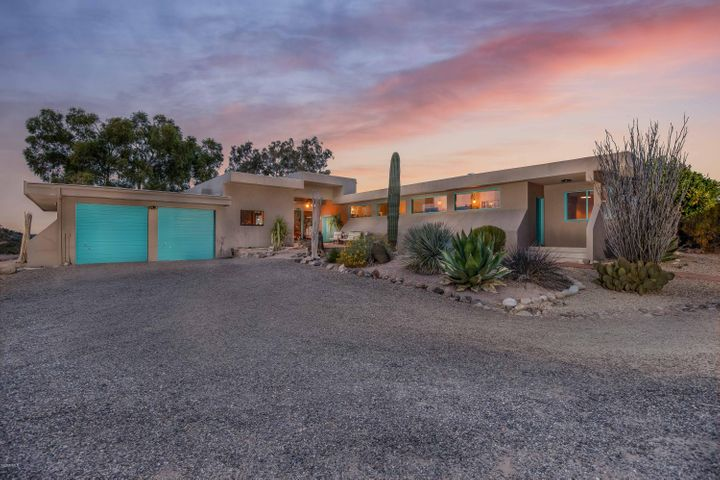 51709 N 292ND Avenue, Wickenburg, AZ 85390
