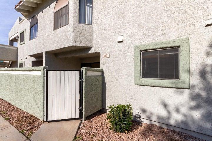 850 S RIVER Drive, Tempe, AZ 85281