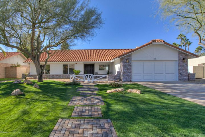 Stunning modern ranch remodel in highly sought after BUENVANTE community