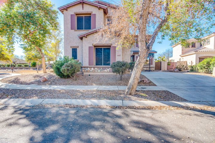 4564 S MAVERICK Court, Gilbert, AZ 85297