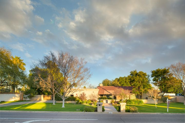 4441 N Jokake Drive, Scottsdale, AZ 85251