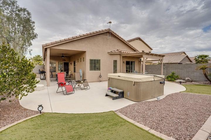 185 W SADDLE Way, San Tan Valley, AZ 85143