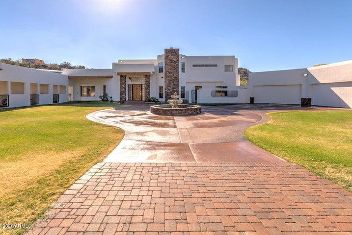 Paver circular driveway