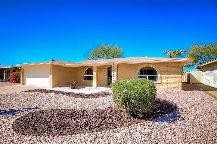 Cul De Sac quiet North /South Exposure REfreshed landscaping, extended front patio with paver stepping stone