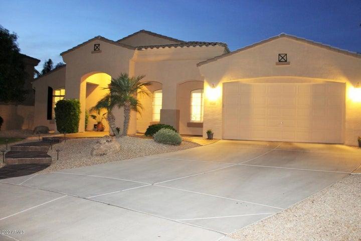 520 E ALAMOSA Drive, Chandler, AZ 85249