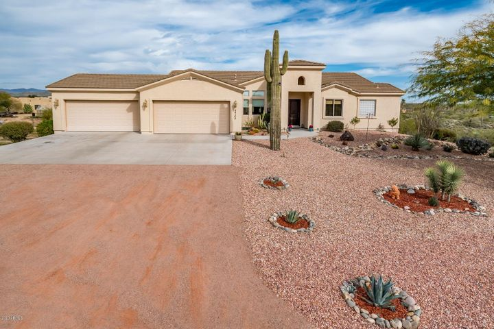 44105 N US HWY 60, Morristown, AZ 85342