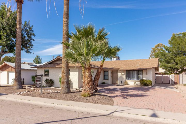 8514 E CHAPARRAL Road, Scottsdale, AZ 85250