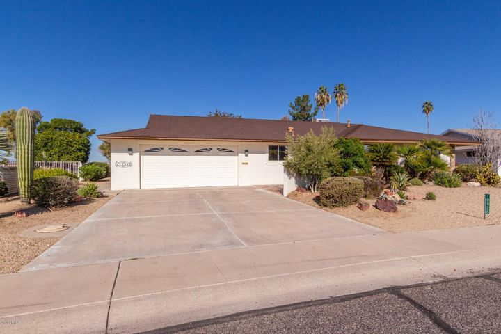 10920 W CUMBERLAND Drive, Sun City, AZ 85351