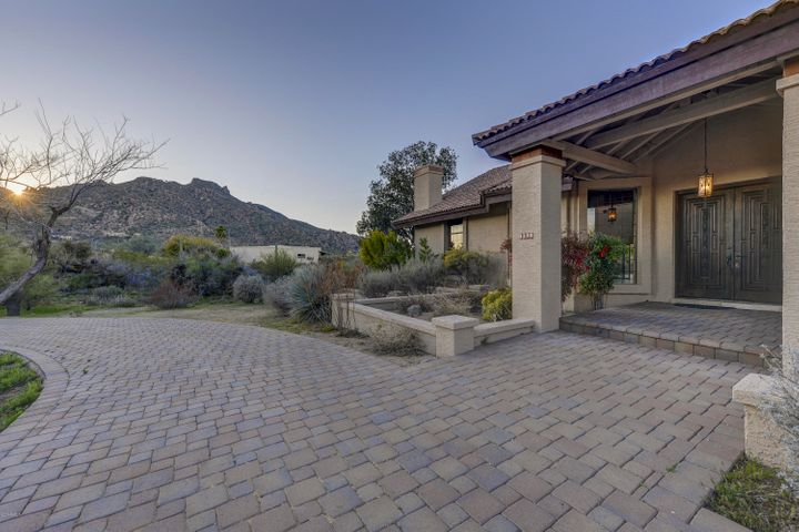 Circular Drive, Side entry garage, Black Mountain Welcomes your guests