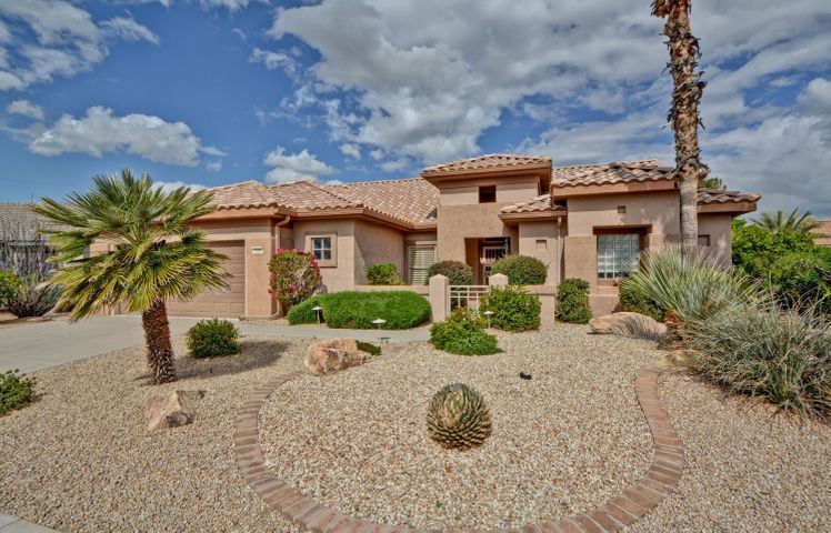 Beautiful Stonecrest Model with 3 bedrooms, 2 baths, 2 car garage with Golf Cart Garage