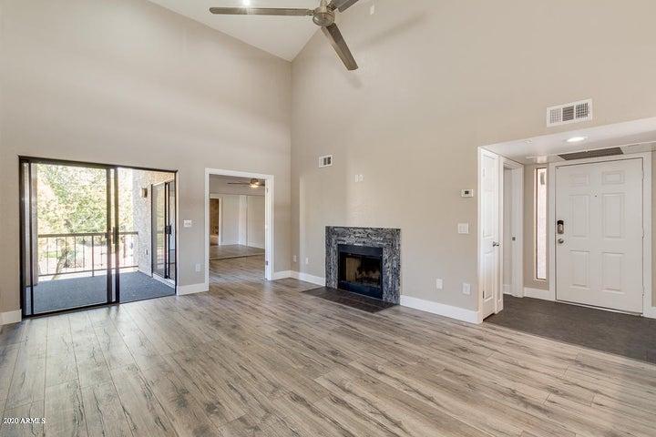 9450 N 95TH Street, 202, Scottsdale, AZ 85258