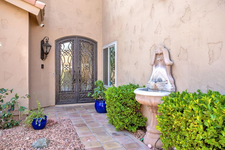 9453 E WOOD Drive, Scottsdale, AZ 85260