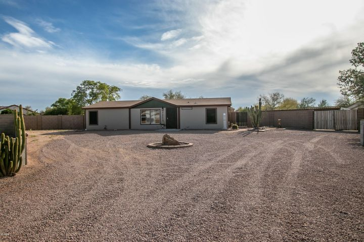 41072 N DESERT THISTLE Trail, San Tan Valley, AZ 85140