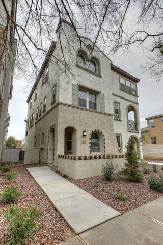 2792 S HARMONY Avenue, Gilbert, AZ 85295