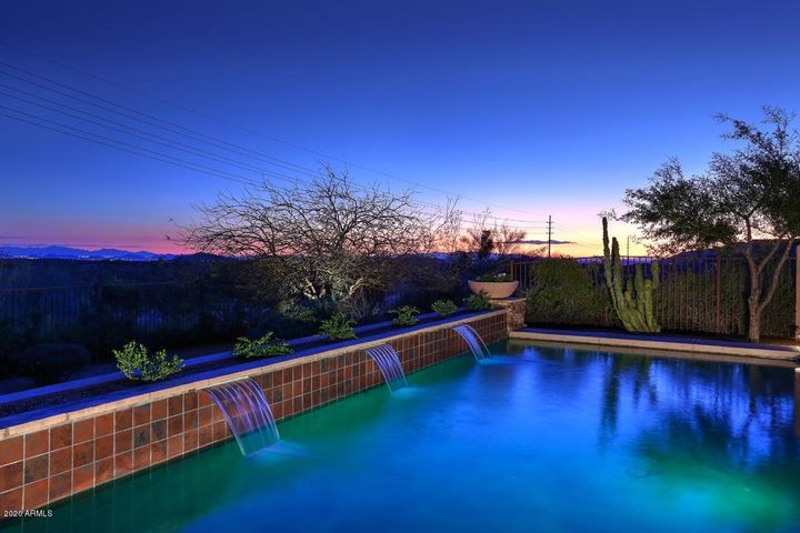 Heated Pool with amazing views