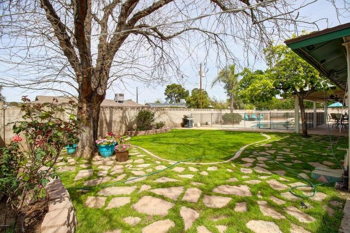 8738 E SANDALWOOD Drive, Scottsdale, AZ 85250