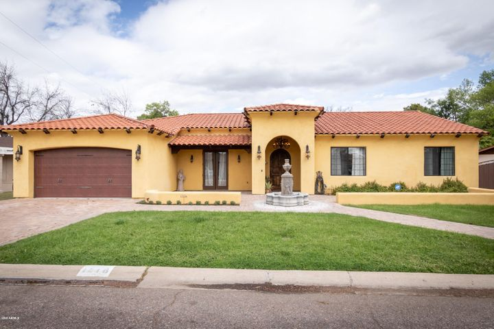 Custom Spanish Stile home in North Central Phoenix.