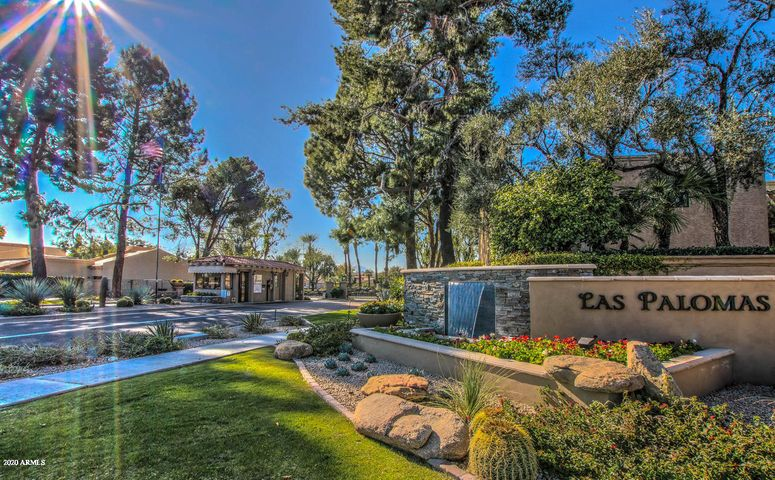 Welcome to the Guard-Gated Community of Las Palomas, conveniently located in the heart of McCormick Ranch and just a few blocks from dining and shopping at Via de Ventura and Hayden roads.