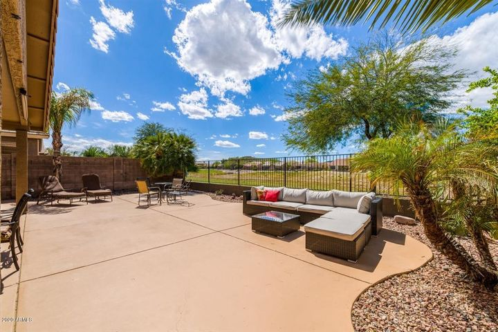 31387 N CLARIDGE Circle, San Tan Valley, AZ 85143