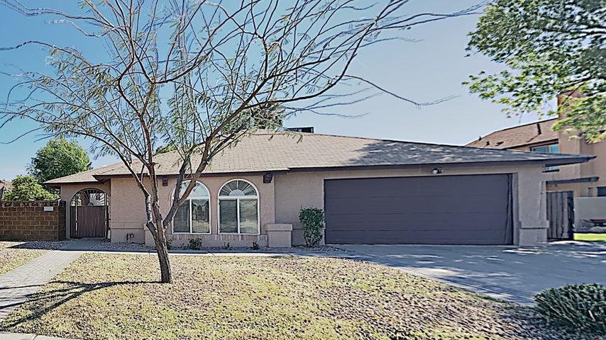 1109 W SHAWNEE Drive, Chandler, AZ 85224