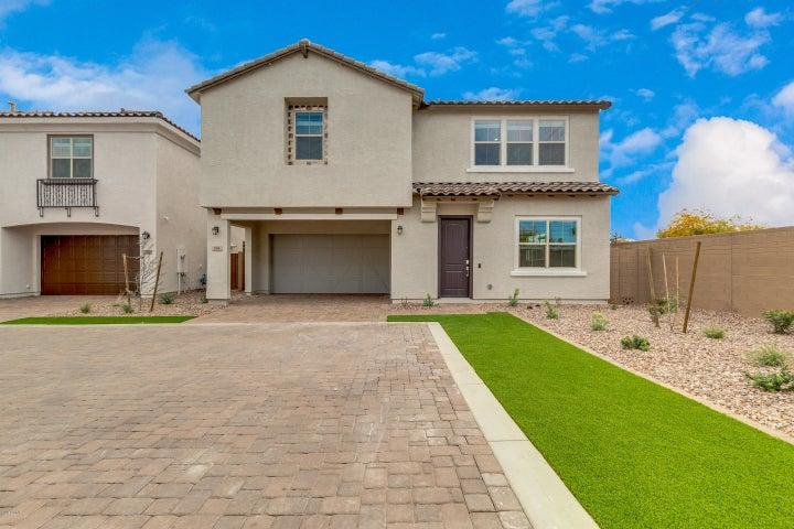 704 N BAY Drive, Gilbert, AZ 85233