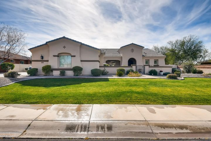3137 E La Costa Court, Gilbert, AZ 85298