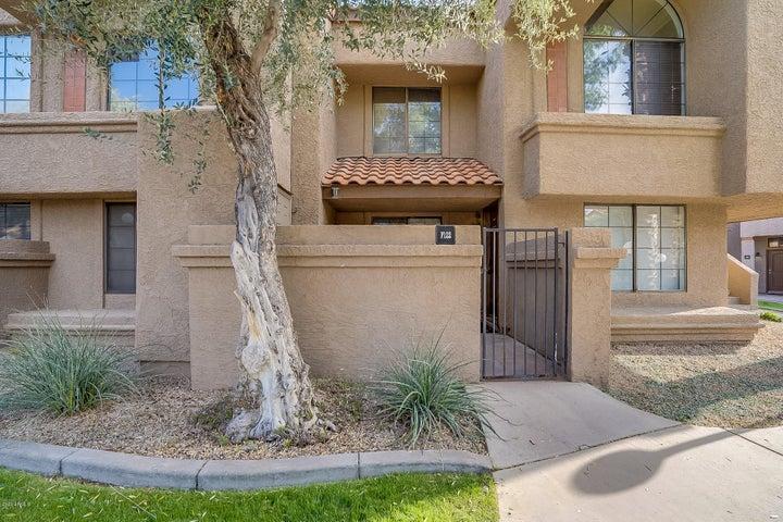 925 N COLLEGE Avenue, F122, Tempe, AZ 85281