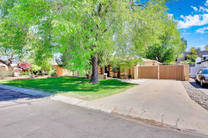4041 N 40TH Place, Phoenix, AZ 85018